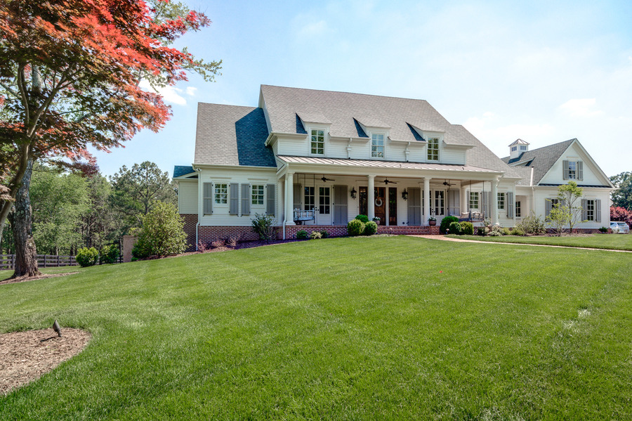Front of house - Farmhouse