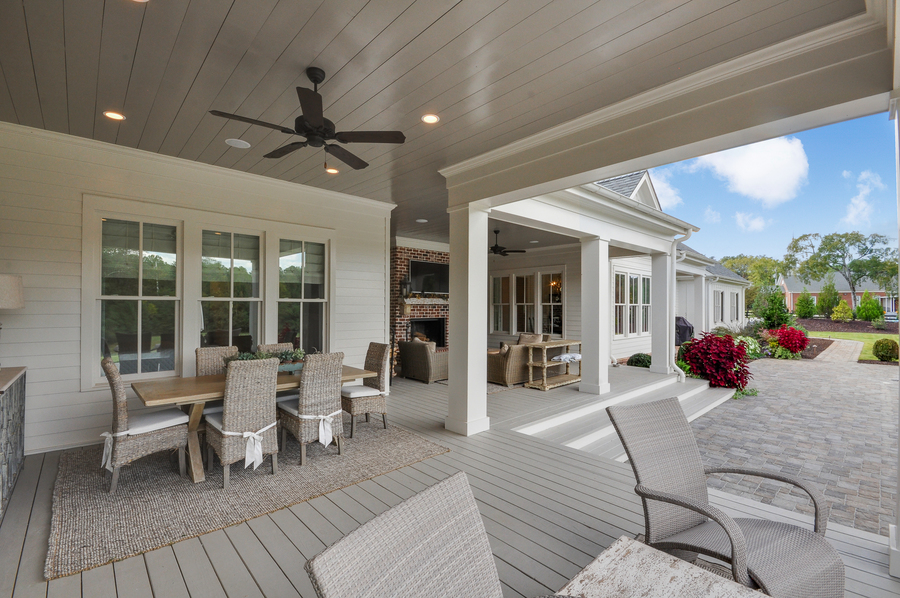 Modern Farmhouse covered patio